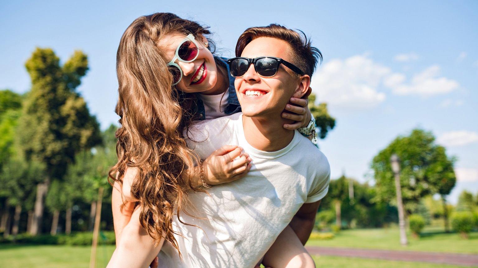 celne randki i małżeństwa w Australii