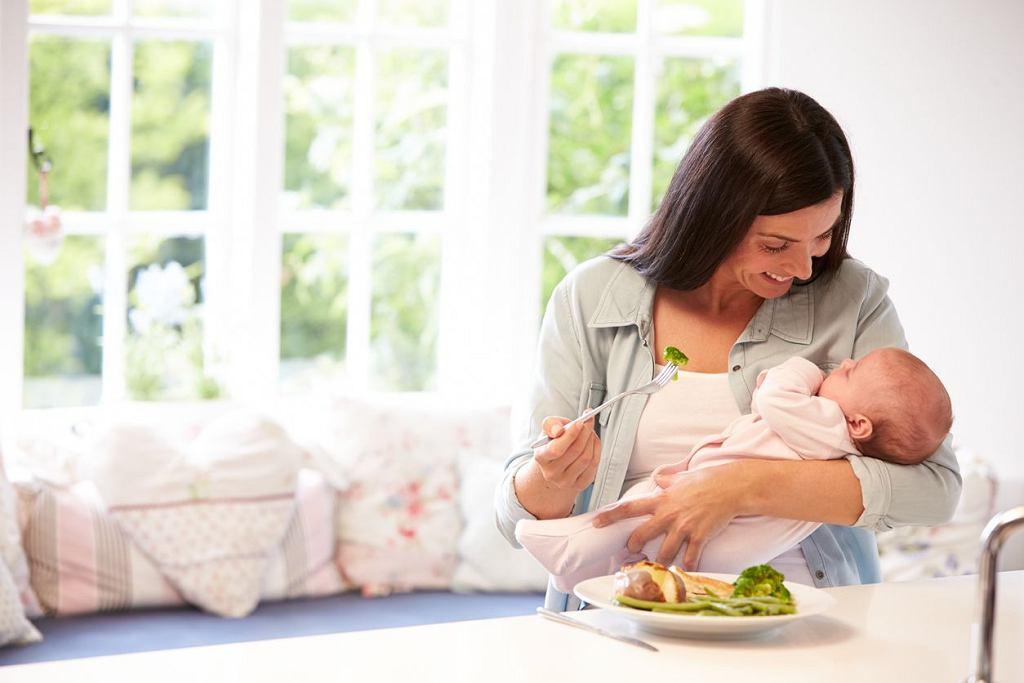 To, co może powodować dyskomfort u mamy, np. groch, nie musi mieć negatywnego wpływu na dziecko. Co może jeść karmiąca mama? Wszystko!