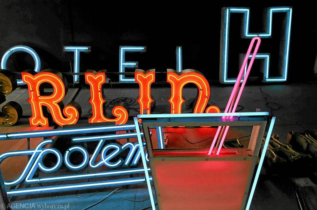 W Muzeum Neonów / Fot. Kuba Atys / Agencja Gazeta