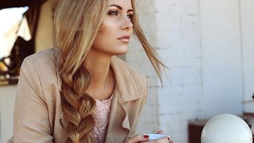 Gorzka sól na włosy poradzi sobie z łupieżem i przetłuszczaniem się pasm