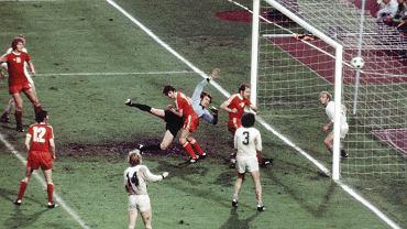 Polska traci gola w meczu z RFN w 1974 r.