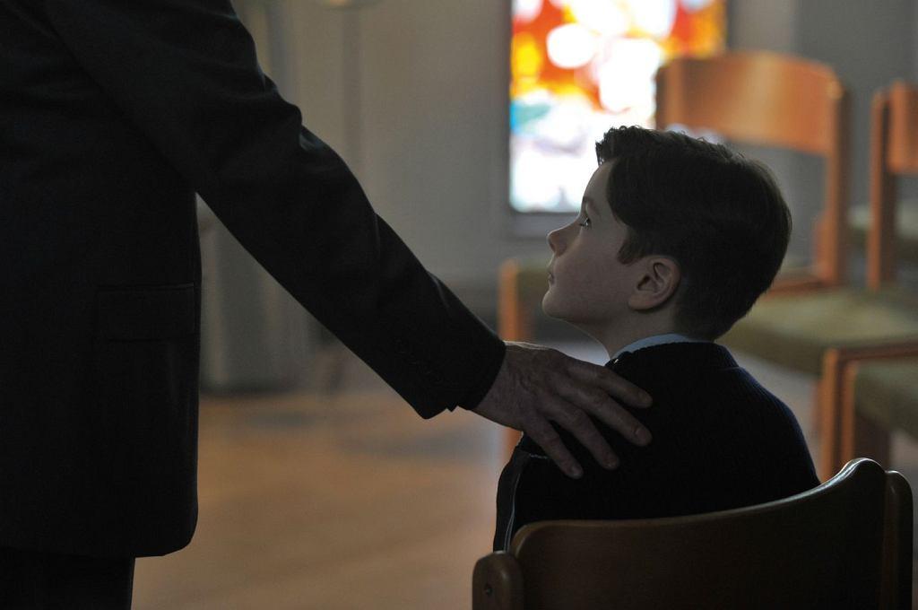 Kadr z filmu 'Dzięki Bogu' (fot. Against Gravity)