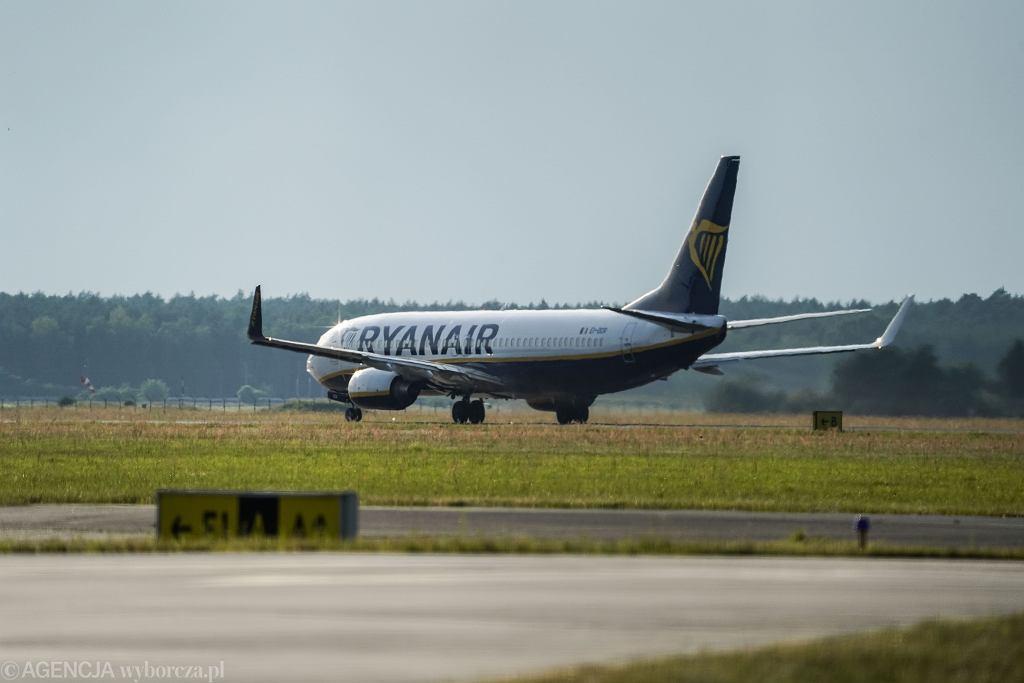 Podejrzany pakunek na pokładzie samolotu linii Ryanair