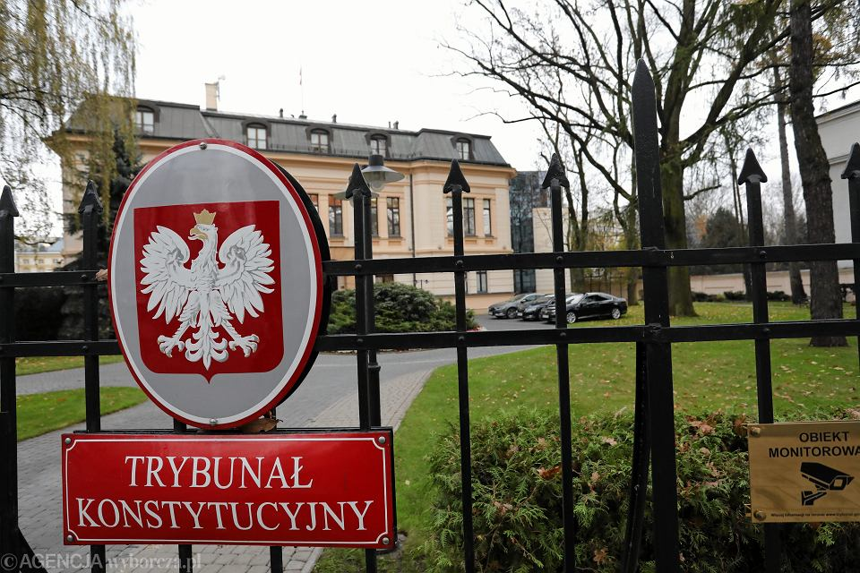 Trybunał Konstytucyjny pod wodzą prezes Przyłębskiej nie wpuszcza dziennikarzy na rozprawy. Można jedynie sfotografować budynek z zewnątrz. Warszawa, 14 listopada 2018 r.