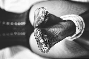Stopy i papierosy, czyli o przyjemnościach i pułapkach fetyszy