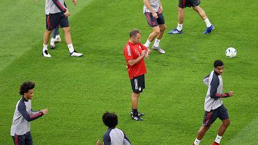 Hansi Flick ma zagrać przeciwko Bayernowi Monachium. Zaskakujący pomysł Niemców