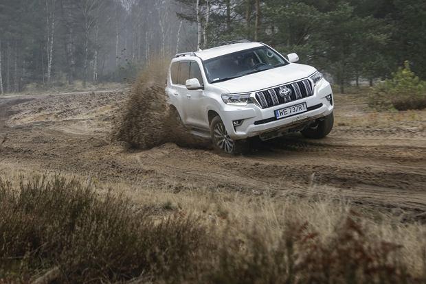 Toyota Land Cruiser - terenówka może być luksusowa. Zobacz VIP-owskie pakiety w przystępnych cenach