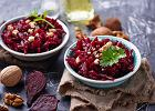 Buraczki z kminkiem i skwarkami. Jak zrobić doskonały dodatek do obiadu? Podpowiadamy