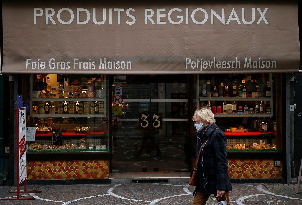 Francja walczy z koronawirusem. Premier Jean Castex ogłosił nowe obostrzenia dla supermarketów.