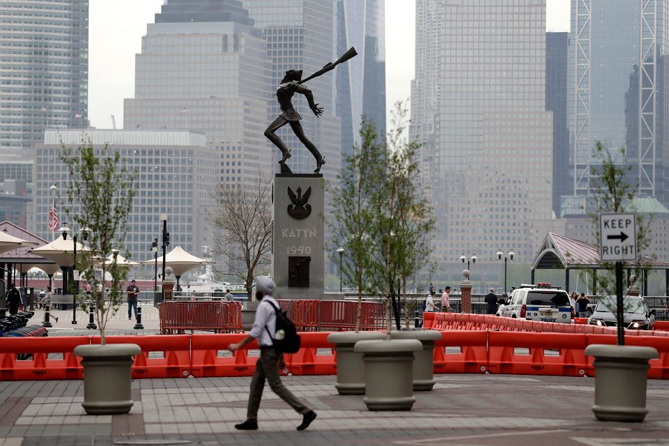 Pomnik katyński w New Jersey