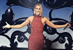 Nie zdążyliście kupić biletów na jeden z polskich koncertów Céline Dion? W środę do sprzedaży trafi dodatkowa pula wejściówek na miejsca w bocznych sektorach Atlas Areny w Łodzi i TAURON Areny Kraków.