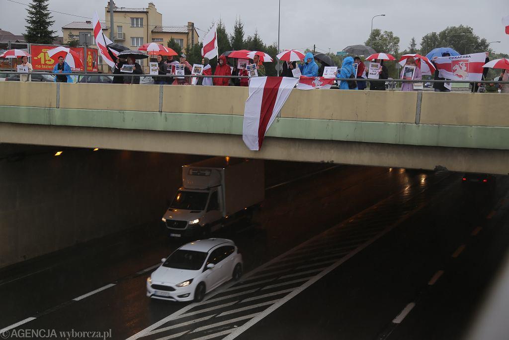 Protest Białorusinów w Białymstoku przeciw wspieraniu reżimu Łukaszenki przez koncern Ikea
