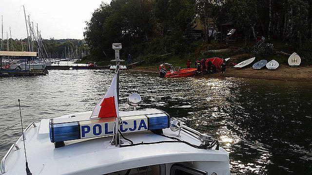 Łódź policyjna na Jeziorze Solińskim
