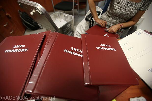 23.05.2018, Szczecin, redakcja Gazety Wyborczej, niszczenie dokumentów zawierających akta osobowe przed wejściem RODO.