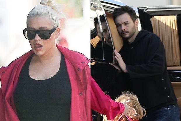 Christina Aguilera i jej narzeczony Matthew Rutler zostali przyłapani przez fotoreporterów, gdy odbierali swoją córkę ze szkoły. Gwiazda postawiła na wygodny sportowy look, jednak zauważyliśmy też, że aby czuć się jeszcze bardziej swobodnie, zrezygnowała ze stanika. Niedawno mówiliśmy, że Christina wraca do formy, jednak patrząc na najnowsze zdjęcia, widzimy, że zrobiła małą przerwę w treningach.