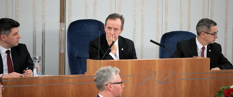"""Kłótnia o termin głosowania nad """"ustawą kagańcową"""". PiS nie chce poniedziałku"""