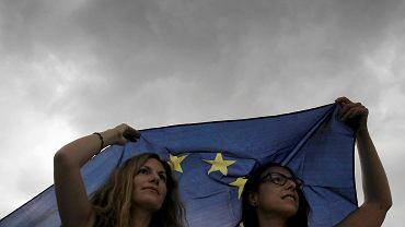 Demonstracje w Atenach za przyjęciem warunków Trojki