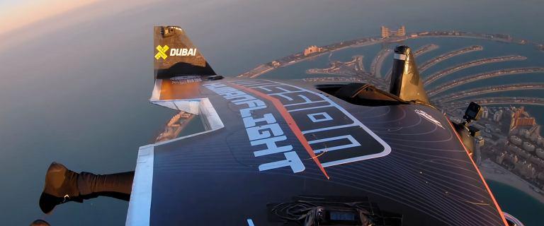 Być jak Iron Man. Jetpack wzniósł człowieka na 1,8 km. To rekord wysokości