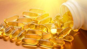 Przedawkowanie witaminy D wiąże się powstawaniem szkodliwych nadtlenków oraz odkładaniem wapnia w tkankach.