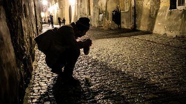 15 proc. mieszkańców naszego kraju zagrożonych jest ubóstwem.