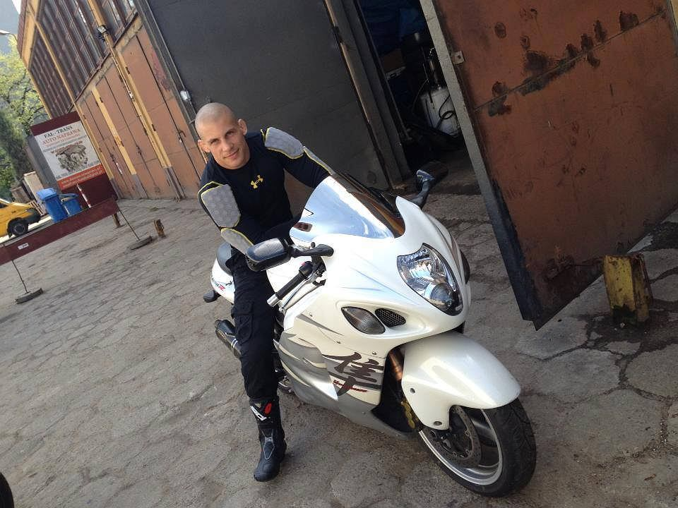 Damian Janikowski na motorze