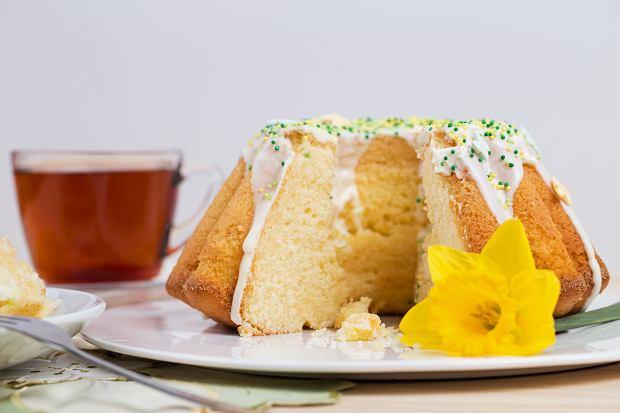 Najpopularniejsze ciasto wielkanocne: mazurek, sernik, babka wielkanocna. Ozdobisz je razem z dzieckiem