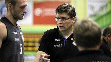 Robert Prygiel ( w środku), trener Cerradu Czarnych Radom