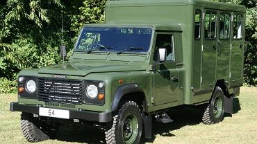 Land Rover Defender 130 Gun Bus