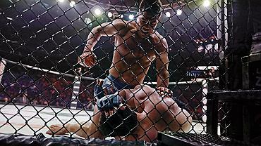 MMA to brutalne walki w klatce. W wersji Fame MMA walka jest bardziej amatorska.