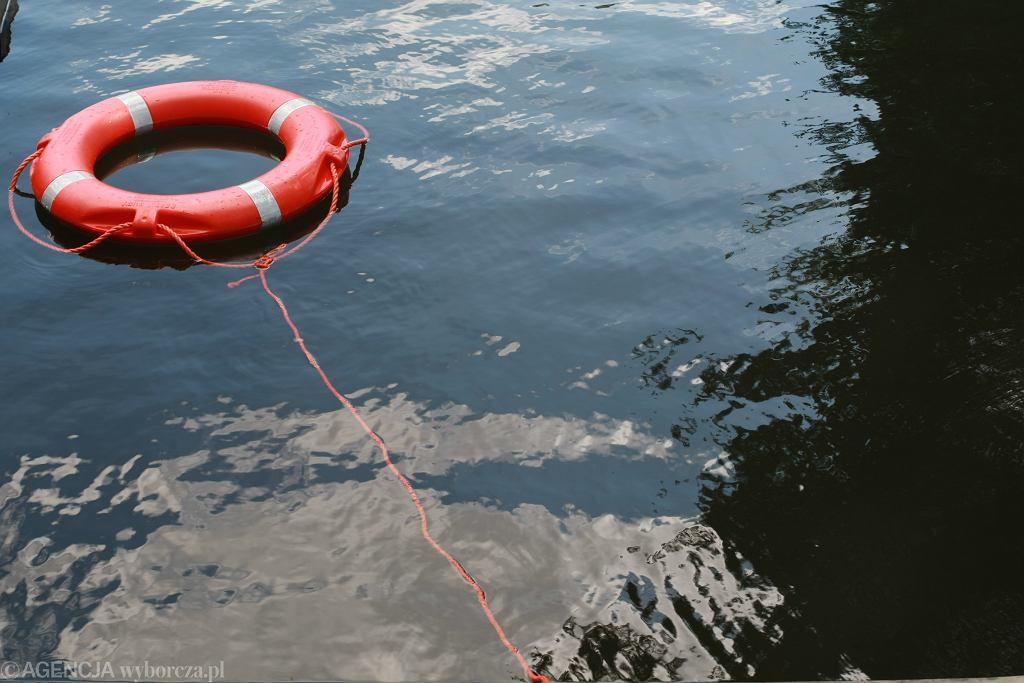 13-latka z Olsztyna uratowała topiącą się dziewczynkę. Dorośli plażowicze nie zareagowali (zdjęcie ilustracyjne)