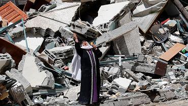 Budynek w Gazie zniszczony przez izraelskie bombardowanie