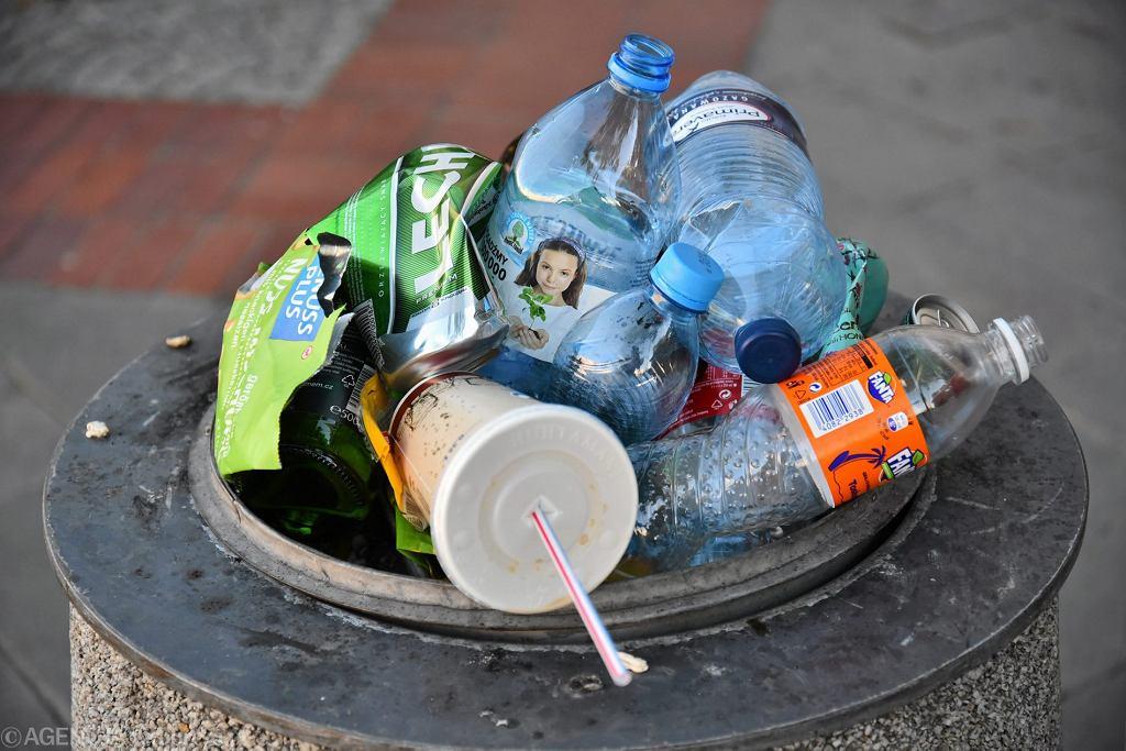 Plastikowe przedmioty jednorazowe