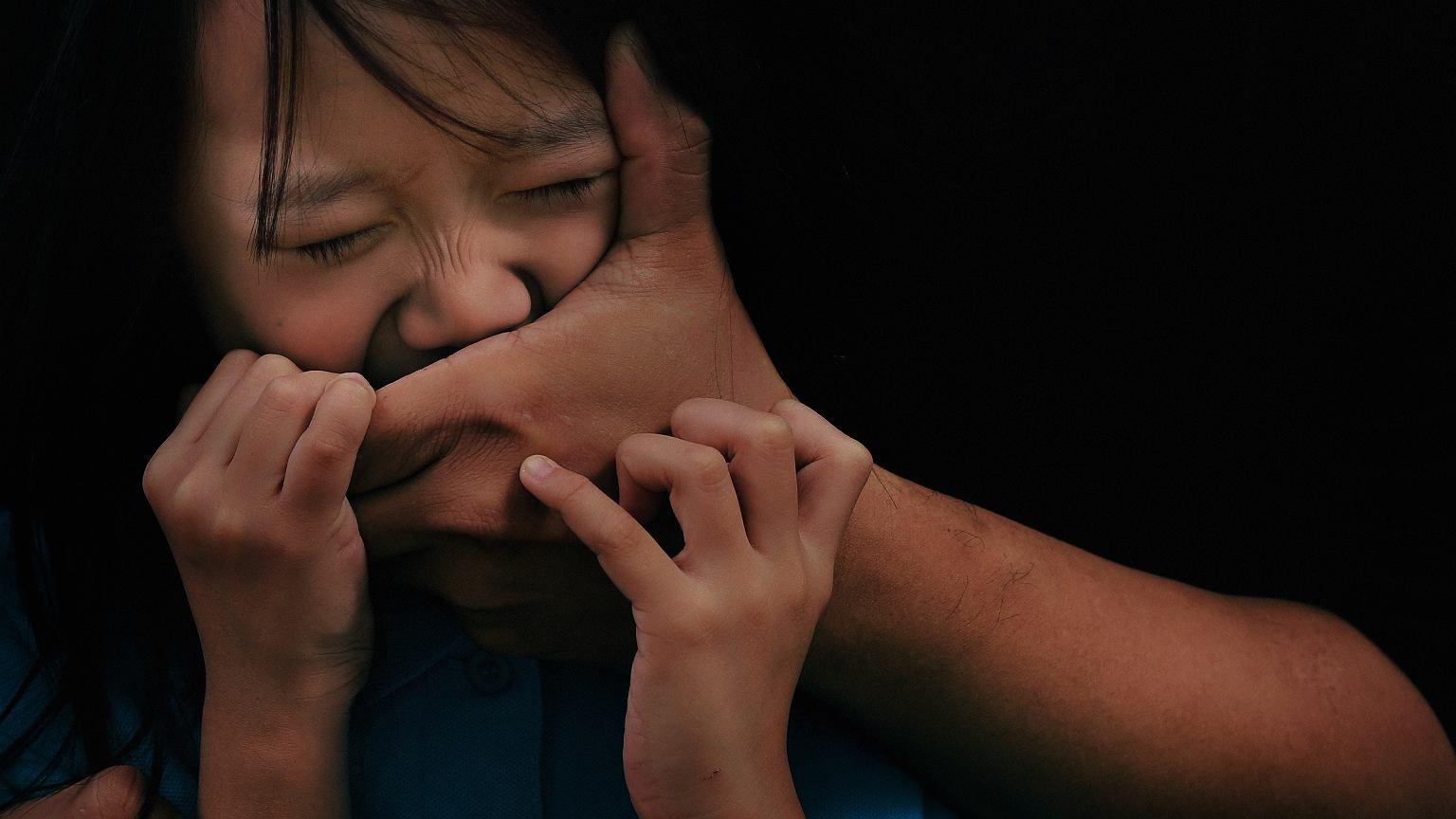 Narkotyki, sutenerstwo, porwania - to smutna codzienność dzieci gangsterów
