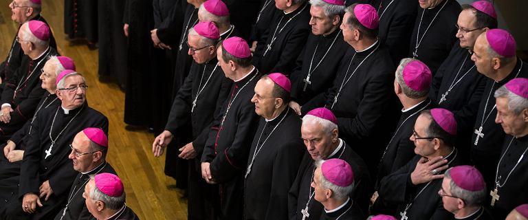 Episkopat przyznaje, że w polskim Kościele dochodzi do pedofilii