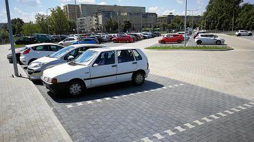 Auto w słońcu (zdj. poglądowe)