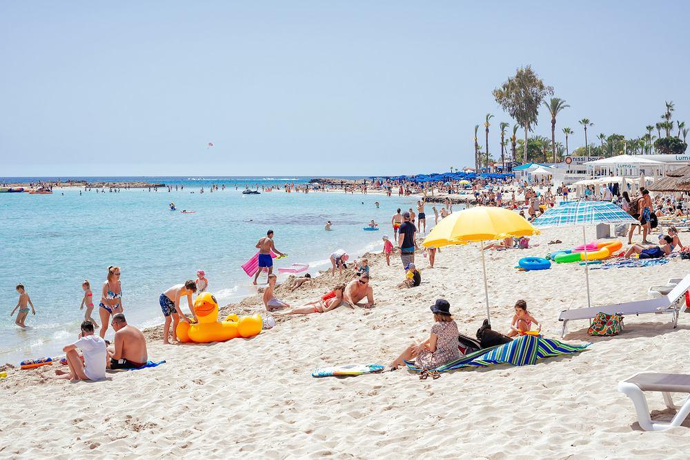 Polacy mogą polecieć na Cypr bez testu na koronawirusa