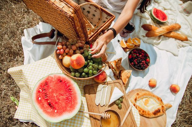 Piknik na łonie natury - wszystko czego potrzebujesz, by go zorganizować