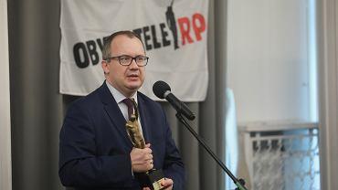 FWreczenie w Warszawie Adamowi Bodnarowi statuetki Stojacy w imie zasad