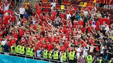 Euro 2020. Szwajcarscy kibice świętują wygraną z Francją. A wśród nich jeden, wyjątkowy fan drużyny narodowej