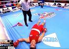 """Brutalny nokaut w boksie. Prezydent WBC jest wściekły. """"Kryminał"""" [WIDEO]"""