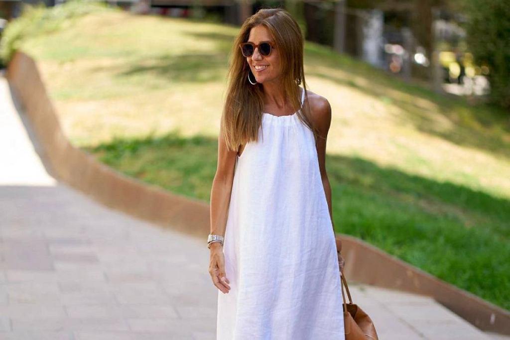 Modna sukienka na ramiączkach