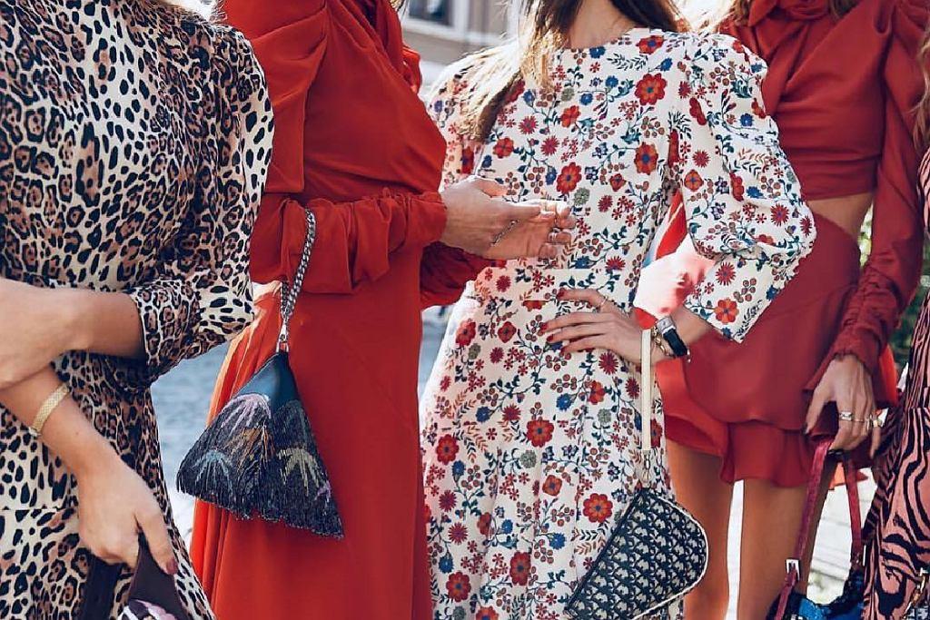 Sukienki w kwiaty to zawsze doskonałe rozwiązanie!