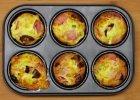 Najlepszy sposób na śniadanie. Pieczone mini omlety z szynką, serem i suszonymi pomidorami