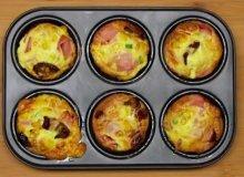Pieczone mini omlety z szynką, serem i suszonymi pomidorami - ugotuj