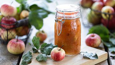 Jabłka do słoików można przygotować na kilka różnych sposobów