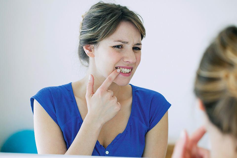 Nadwrażliwość zębów dotyka przeważnie osoby między 30. a 40. rokiem życia