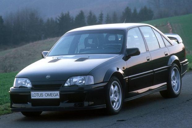 Opel Lotus Omega