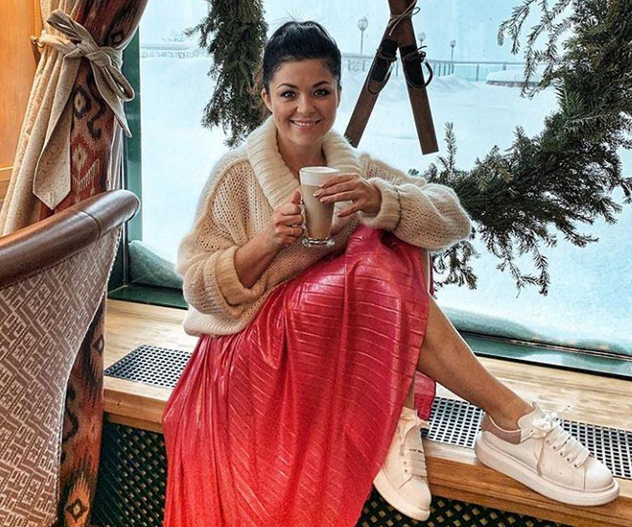 Katarzyna Cichopek w supermodnym swetrze. Wiemy, gdzie go kupiła i za ile