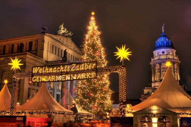 W tym roku w Berlinie jest blisko 60 świątecznych jarmarków. Jeden z większych stanął na Gendarmenmarkt