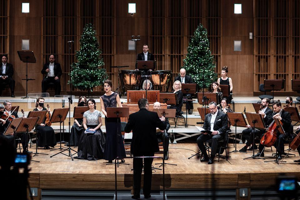 Zdjęcie numer 1 w galerii - Oratorium na Boże Narodzenie. Opera i Filharmonia Podlaska zaprasza online